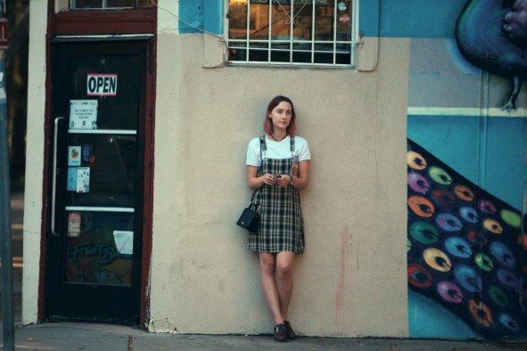 lady-bird-2017-001-saoirse-ronan-wall_0